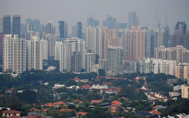 シンガポールの不動産価格は、香港の政情不安の影響などで、上昇を続けている=ロイター