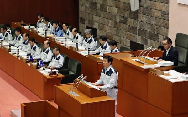 千葉県議会で台風被害の早期復旧を訴える森田健作知事(13日、千葉県議会)