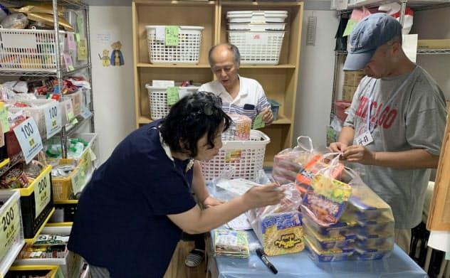 フードバンク狛江では、理事長夫妻がアパートを倉庫代わりにして運営している(東京都狛江市)