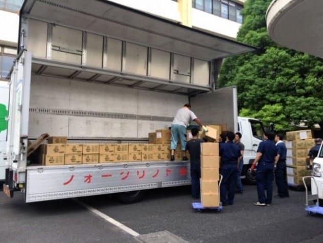 練馬区の支援物資の積み込み