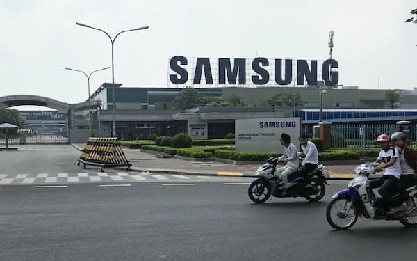 サムスンはベトナムで複数の巨大工場を構える(バクニン省のスマホ工場)