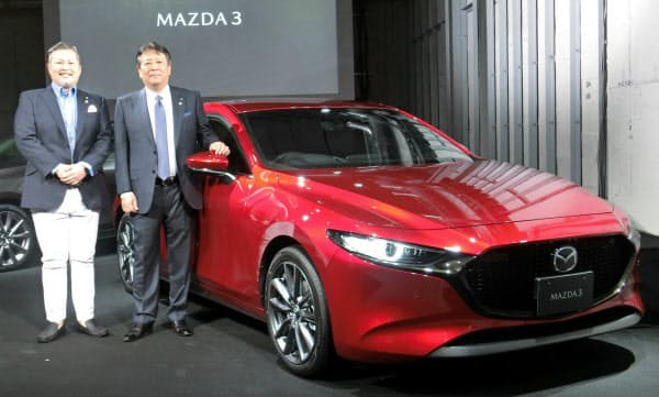 強気な価格設定が裏目に出た(5月に開いた国内向けの新型マツダ3発表会)
