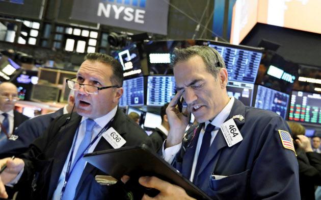 米株式相場の上昇を銀行株がけん引している(ニューヨーク証券取引所)=AP