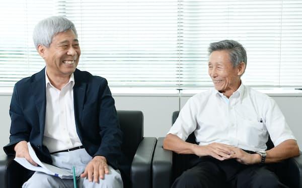 韓国トラストン年金フォーラムの姜敞熙(カン・チャンヒ)代表(左)とさわかみホールディングスの澤上篤人代表取締役