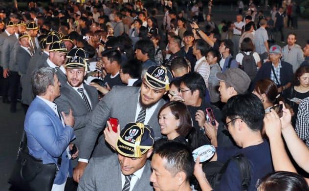 ラグビーW杯前回王者のNZ代表を歓迎
