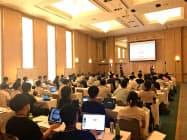 16社の起業家がキャピタリストとペアを組んで助言を受けた(千葉県内のホテル)