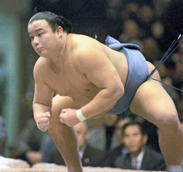 1985年1月、大相撲初場所の逆鉾=両国国技館