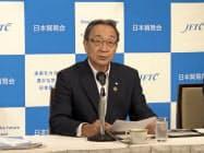 日本貿易会の中村会長(18日、都内)