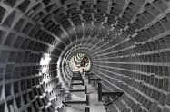 報道陣に公開された地下トンネル(18日、東京都内)