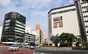 地方圏の商業地はバブル期直後の1991年度以来28年ぶりに前年を上回った(福岡県の商業地で上昇率がトップだった「ミーナ天神」周辺)