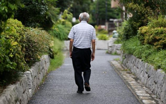 高齢有権者におもねらない改革が問われている