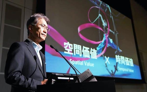 技術展示会を開催し、記者会見するソニーの吉田社長(18日、東京都品川区)