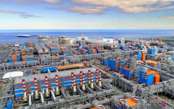 日揮や千代田化工が建設したロシア・北極圏のLNGプラント=JSCヤマルLNG提供