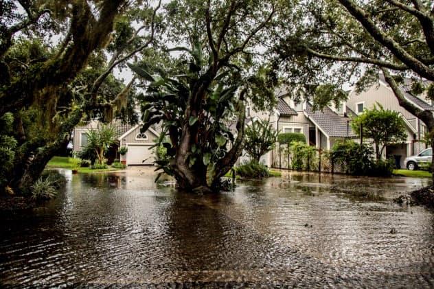 大型ハリケーン「ドリアン」の影響で浸水した住居(9月上旬、フロリダ州)=ロイター