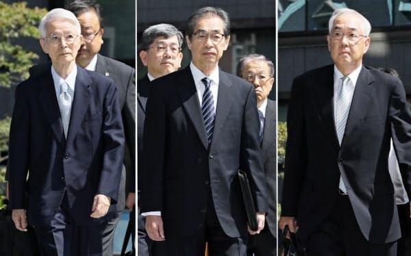 判決のため東京地裁に入る東京電力の(左から)勝俣恒久元会長、武黒一郎元副社長、武藤栄元副社長(19日午前)