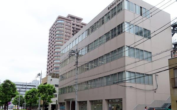 高崎駅東側では再開発の影響で地価が大きく上昇している(群馬県高崎市栄町2の10付近)