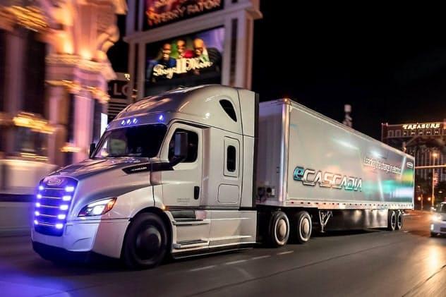 ダイムラーは傘下の米「フレートライナー」などの電動トラックにCATLの電池を採用する(ダイムラーのサイトより)
