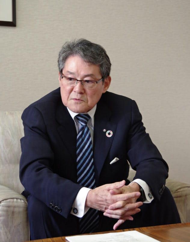 藤崎社長は店舗建て替えについて「中途半端なものを造っても意味がない」と話す
