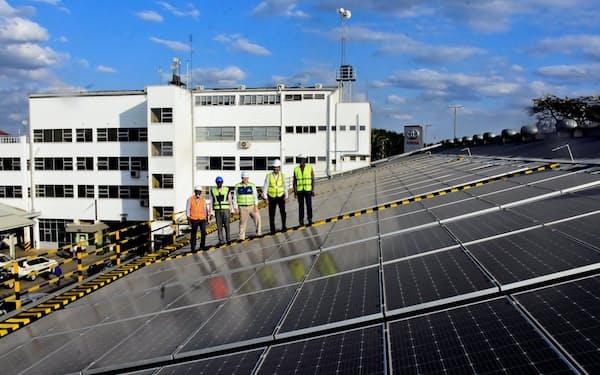 豊田通商が販売店に設置した太陽光パネル(ケニア)
