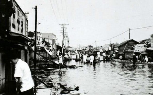伊勢湾台風で被災した直後の名古屋市の様子(同市南区、1959年9月)=名古屋市南区役所提供