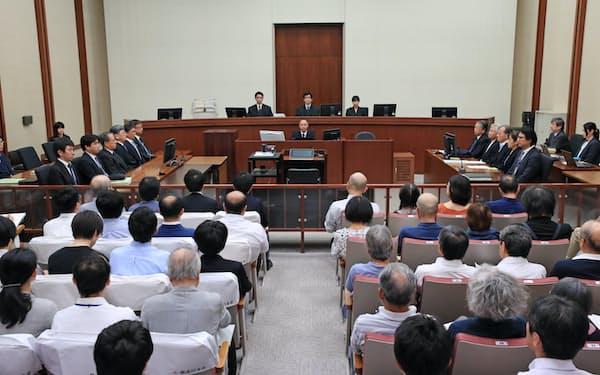 東京電力旧経営陣の強制起訴訴訟の判決公判が開かれた東京地裁の法廷(19日、東京・霞が関)