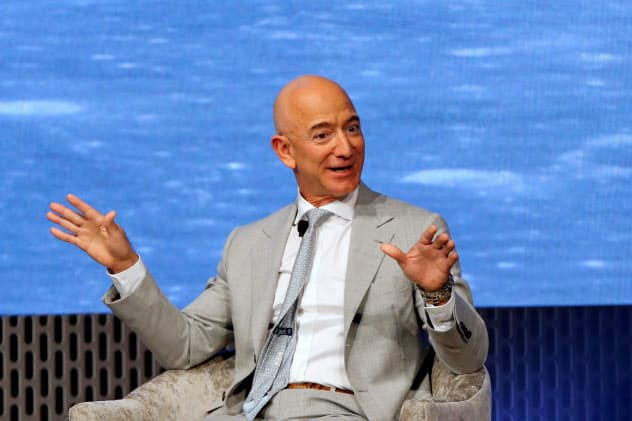 アマゾンのジェフ・ベゾスCEOは気候変動対策を推進する=ロイター