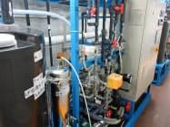 カーボンナノチューブを使った膜で海水を淡水化する試験装置(信州大学アクア・イノベーション拠点提供)