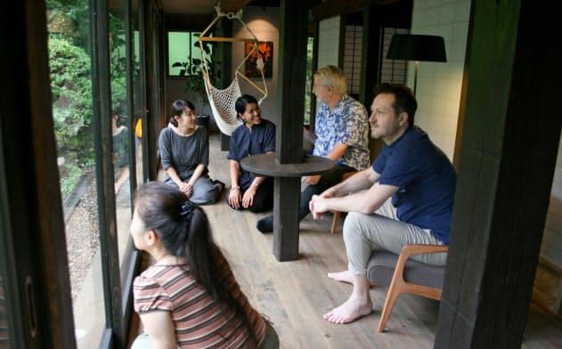 「分散型ホテル」町の風情味わう 古民家など活用