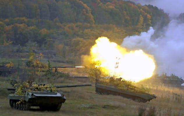 ロシア南西部での大規模軍事演習には中国軍も参加した(19日、AP)
