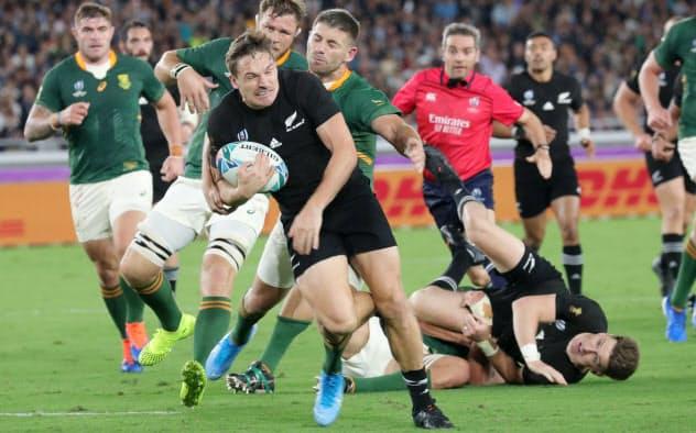 NZが3連覇へ好発進 南アに23-13