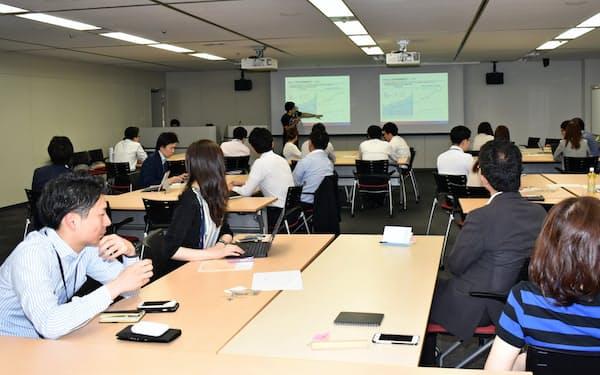 オリックスは新規事業の社内公募に向け若手や女性社員の座談会も開いた