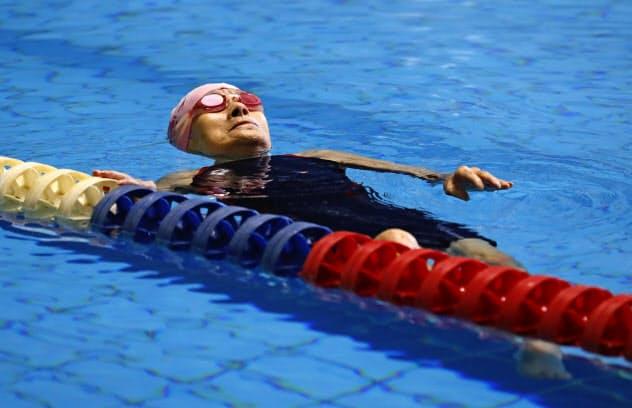 105歳でマスターズ水泳 長岡さんが最高齢出場