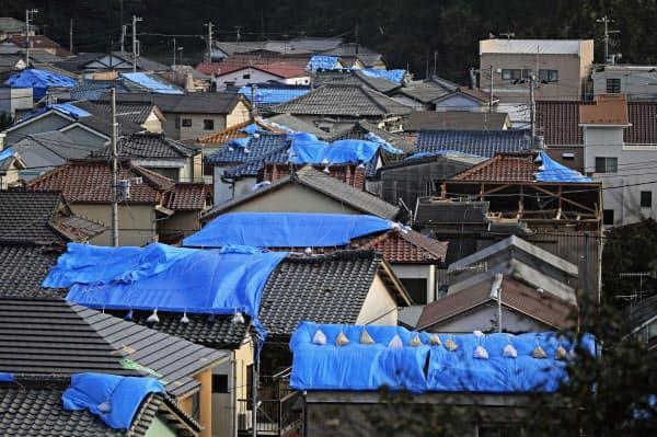台風15号の被害発生から2週間がたった千葉県鋸南町(23日午後)=共同