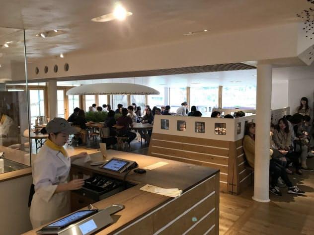 プラスチック製ストローの使用を廃止したラ コリーナ近江八幡のメインカフェ(滋賀県近江八幡市)