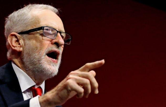 英労働党のコービン党首は、首相の即時の辞任を求めた=ロイター