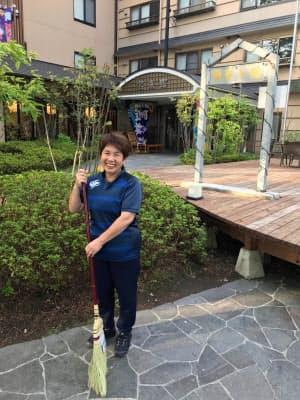 「ラグビーファンの皆さんには喜んで帰ってほしい」と語る旅館「宝来館」の女将、岩崎昭子さん(25日朝)
