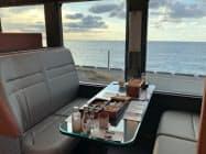 「海里」は日本海を眺めながら食事を楽しめる