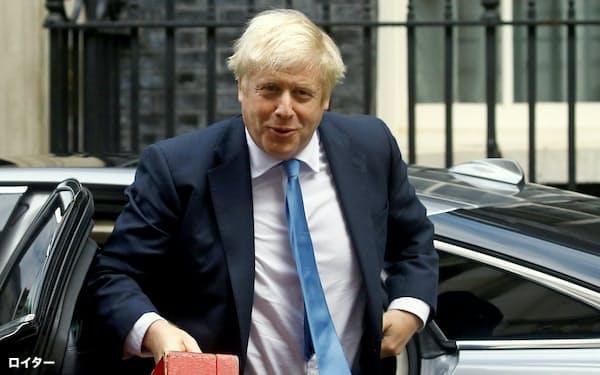 ジョンソン首相は苦境に(25日、ロンドン)=ロイター