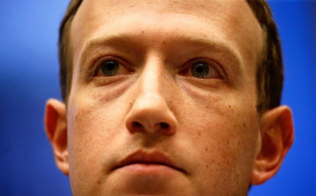 「先手を打たなければだめだ」と強調した米フェイスブック最高経営責任者(CEO)=ロイター