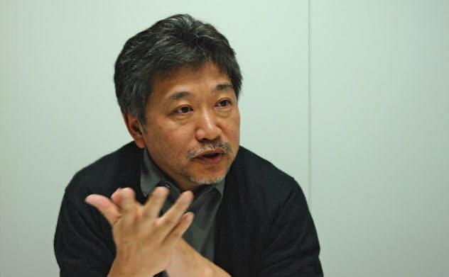 ベネチア、トロントの両映画祭から帰国し、新作「真実」を語る是枝裕和監督