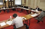 「あいちトリエンナーレ2019」の企画展「表現の不自由展・その後」が中止となった問題で、愛知県庁で開かれた検証委の会議(25日午後)=共同