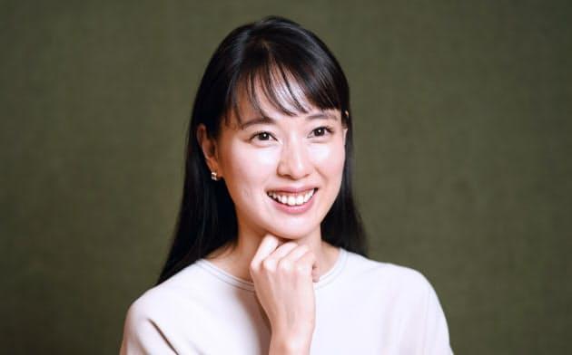 「30歳を過ぎて、これから自身のキャリアがどうなるか考えていたところに、朝ドラの話が来た」と喜ぶ戸田