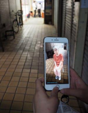 グレゴール・シュナイダー「死にゆくこと、生きながらえること」(神戸市長田区の丸五市場)