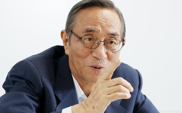インタビューに答える自民党の細田博之憲法改正推進本部長