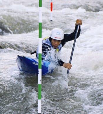 男子カナディアンシングル 準決勝で敗退した羽根田卓也(28日、セオデウルヘル)=共同
