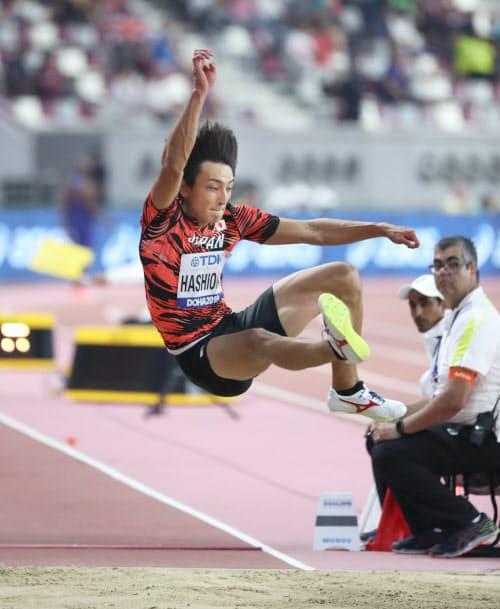 男子走り幅跳び決勝で8位となった橋岡=山本博文撮影