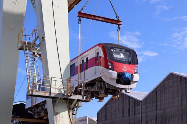 タイ国鉄のバンコクレッドライン向け新型車両の出荷を始めた