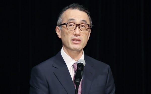 講演する三菱UFJフィナンシャル・グループの三毛社長(1日、東京・大手町)