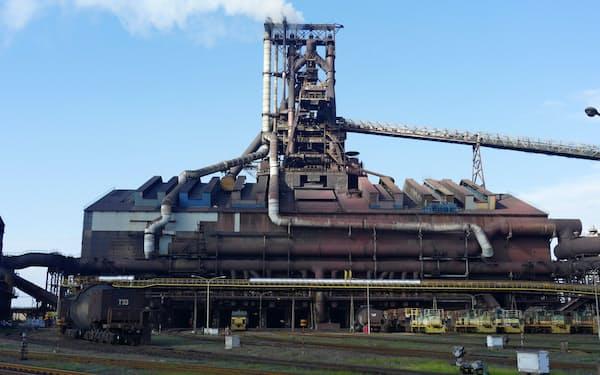 台風15号による影響が長期化している(日本製鉄の君津製鉄所の高炉、千葉県君津市)