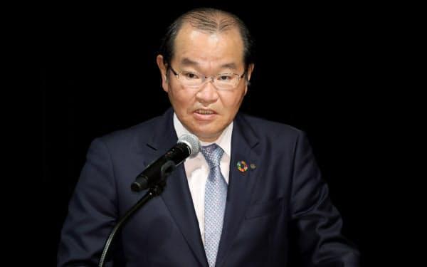 講演する大和証券グループ本社の中田社長(1日、東京・大手町)